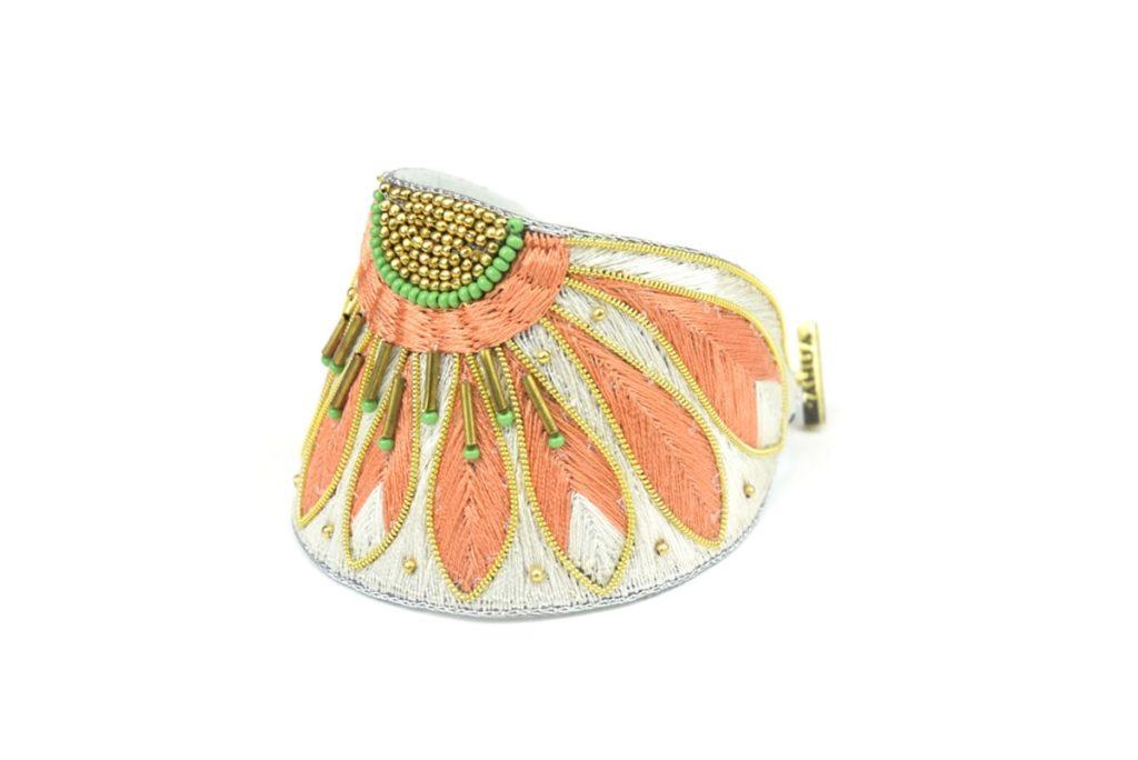 Apache ethnic bracelet | Apricot/Cream