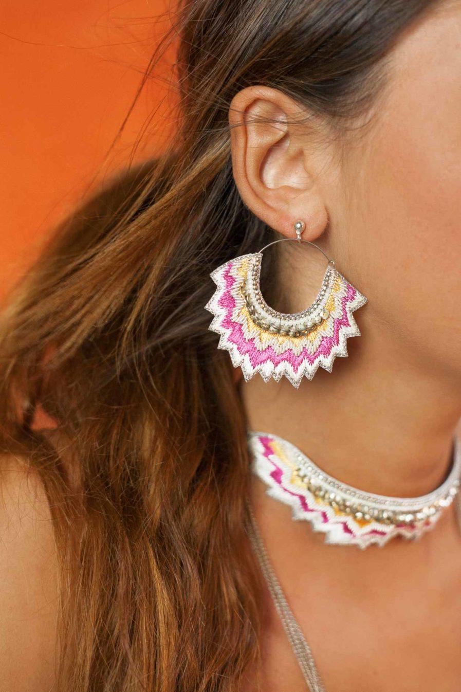 Boucles d'oreilles brodées Maria | Lilac